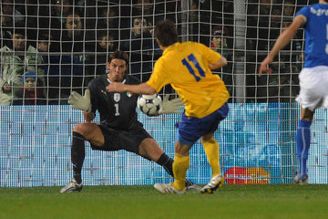 International+Friendly+Match+Italy+v+Sweden+QYcmIzNa8wUm